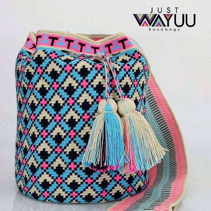 295 отметок «Нравится», 3 комментариев — Just Wayuu (@just.wayuu) в Instagram: «Handcrafted handbags made by indigenous wayuu in the north of Colombia. Worldwide shipping. PayPal…»