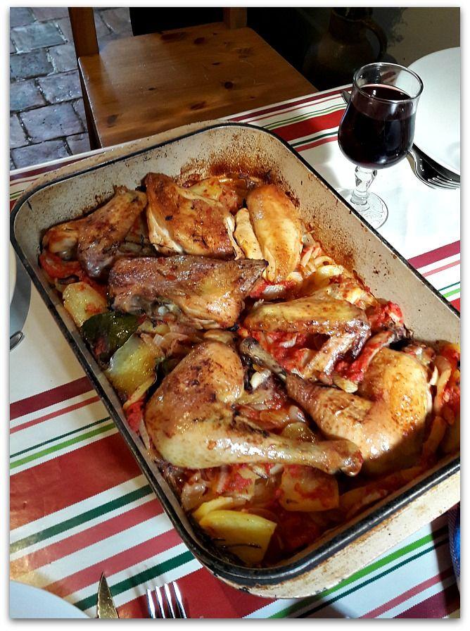 Un dimanche a la campagne: Le poulet c'est toujours bon (rôti sur pommes de t...