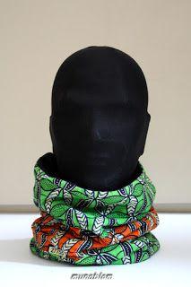 JOVA: Scaldacollo in capulana mozambicana doppiata con felpa nera.