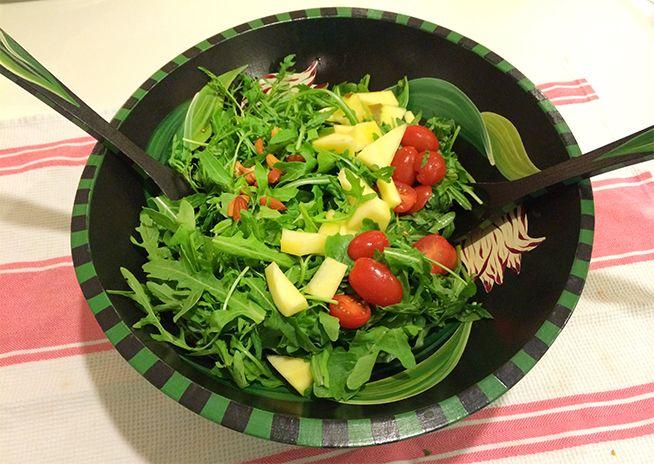 Power Packed Arugula, Mango & Cashew Salad