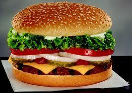 Ό,τι και να σου πουν, burger χωρίς θερμίδες δεν υπάρχει. Βρες το σωστό, το καλό το burger εδώ