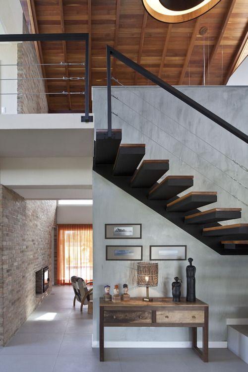Treppe offen, Geländer mit Seilen 3x, Handlauf Stahl