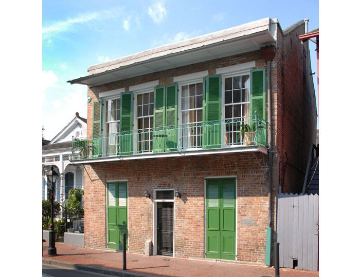 New Orleans Apartment Thomas Jayne S And Rick Ellis In Is An 1830s Brick Townhouse The French Quarter