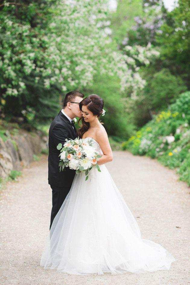 Beautiful Lake House Wedding | Kristyn Harder Photography | Bridal Musings Wedding Blog 6