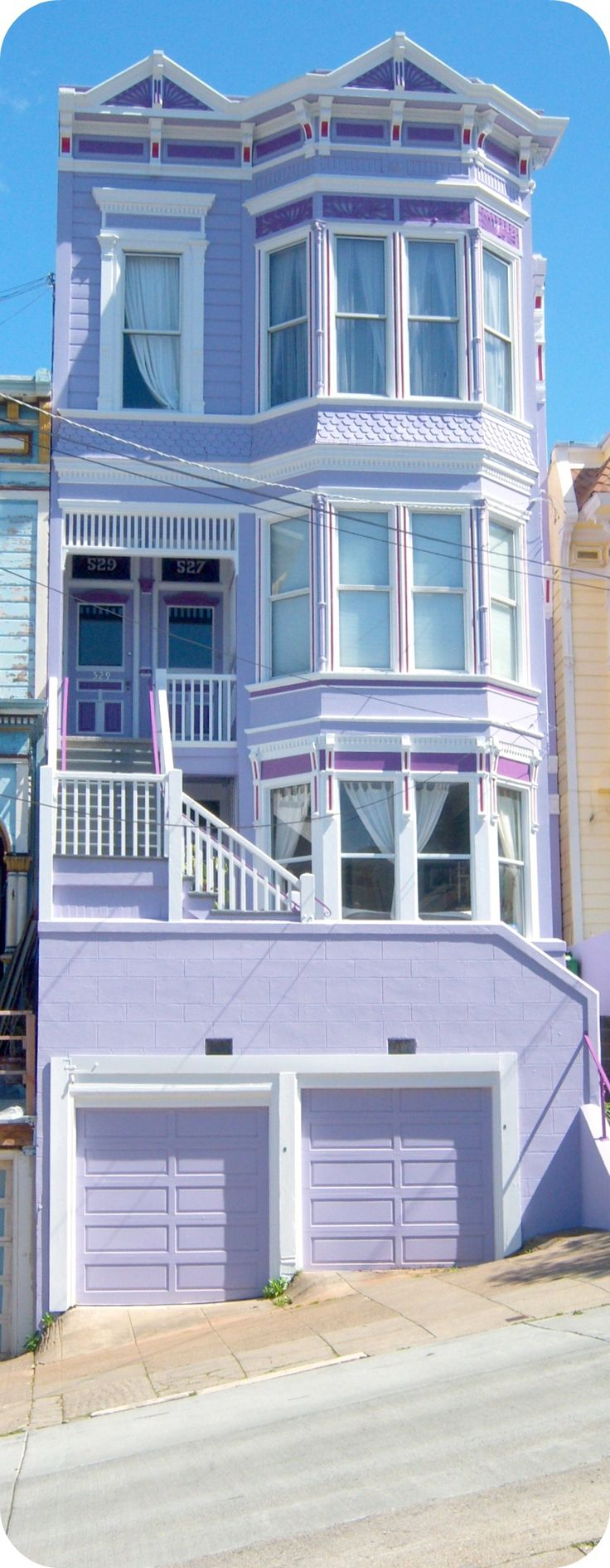 We love this purple house in our city by the Bay!