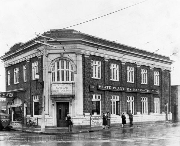 This image from the later 1920s or early 1930s shows the State-Planter's Bank and Trust Co. building at the corner of North Avenue and Brookland Park Boulevard in Richmond. In January 1926, two banks merged to become State-Planter's, and this building, constructed in the early 1920s for the State and City Bank and Trust Co., was home to the merged bank's North Side branch until June 1933. The building still stands today. Richmond.com: From The Archives