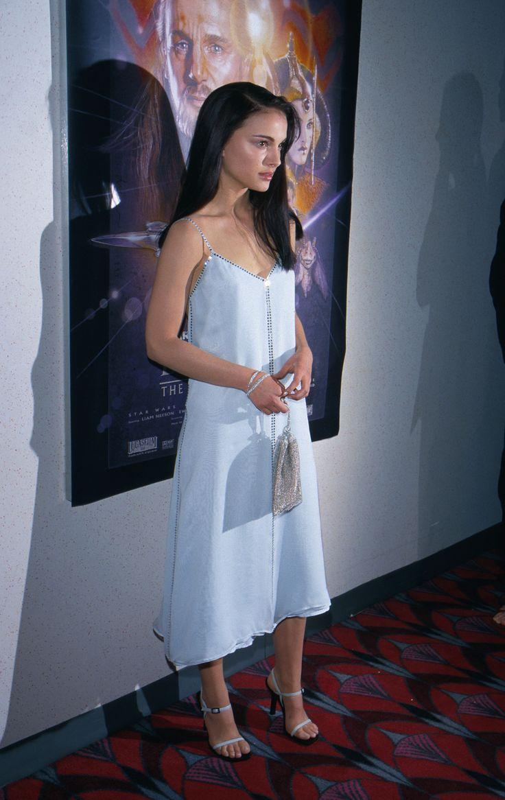 Young Natalie Portman (2175×3446)