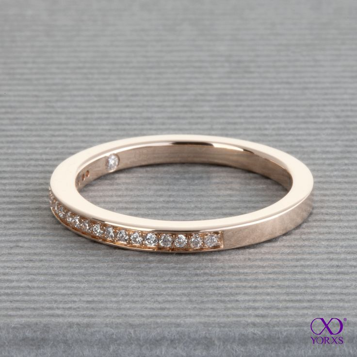 """The """"Iva""""  ast 21 little brilliants. this is the version in rose gold. #iva rosegold #rotgold #memoryring #memoirering #diamantring #verlobungsring #trauring #yorxs"""