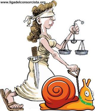 EL OTRO LADO DE LA PUJA POR LA JUSTICIA El tema de la justicia está presente en todos los hogares. [...] Es como si de pronto, nos embargara una sensación de hastío. ¡Qué alejados están nuestros representantes de la gente que los vota! ¡Qué falta de ecuanimidad y de honestidad intelectual en los planteos! Es verdaderamente vergonzoso [...] http://www.ligadelconsorcista.org/articulo/el-otro-lado-la-puja-la-justicia