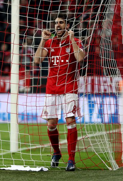 Javi Martinez of Muenchen reacts during the UEFA Champions League Round of 16 first leg match between FC Bayern Muenchen and Arsenal FC at Allianz Arena on February 15, 2017 in Munich, Germany.