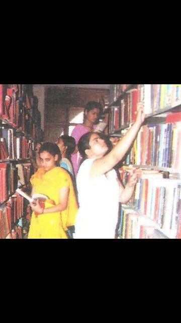 Library of Maitreyi college.