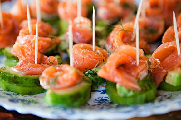 Салаты с авакадо и морепродуктами