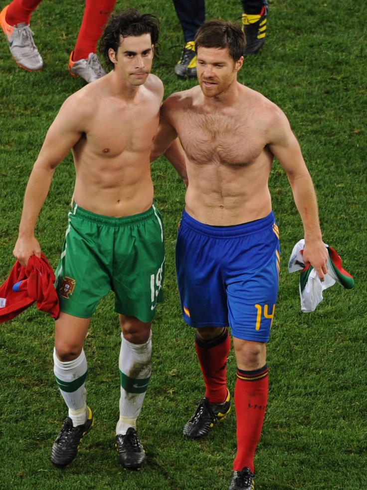 Tiago Mendes and Xabi Alonso