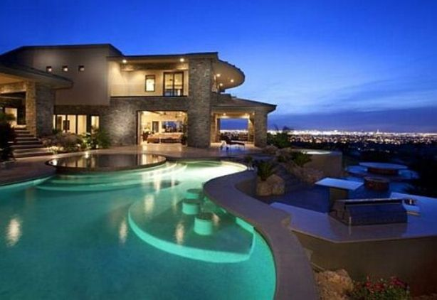 Huge House with Pool