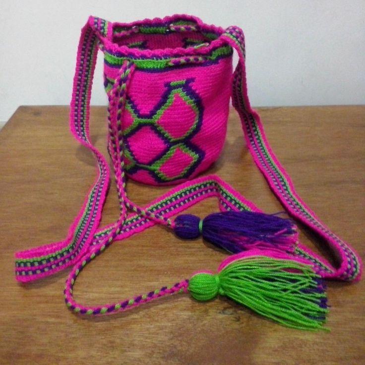 Carteras,bolsos,mochilas,artesanía,wayuu, Guajiro, Tradicion - Bs. 1.500,00 en MercadoLibre