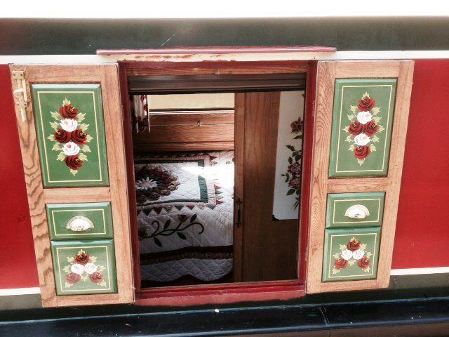 Hatch decoration
