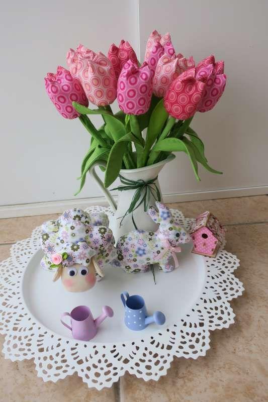 ovečka ,zajac a tulipány