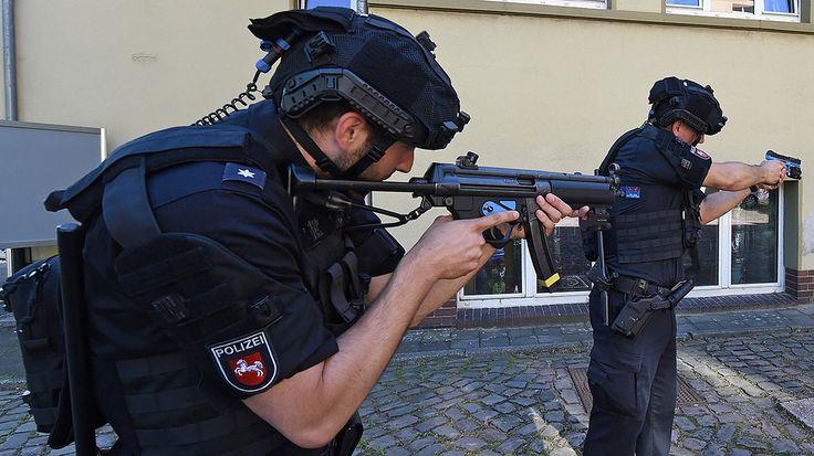 Niedersachsens Polizei rüstet auf | NDR.de - Nachrichten - Niedersachsen - Hannover/Weser-Leinegebiet