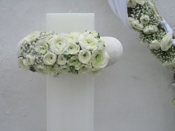 9 ιδεες στολισμου για λαμπαδες γαμου | Kokkinos Flowers See more on Love4Weddings http://www.love4weddings.gr/%ce%bb%ce%b1%ce%bc%cf%80%ce%b1%ce%b4%ce%b5%cf%82-%ce%b3%ce%b1%ce%bc%ce%bf%cf%85-%ce%b9%ce%b4%ce%b5%ce%b5%cf%82-%ce%b3%ce%b9%ce%b1-%cf%83%cf%84%ce%bf%ce%bb%ce%b9%cf%83%ce%bc%ce%bf-kokkinos-flowers/