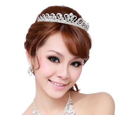 Modelos de coroas e tiaras para noivas