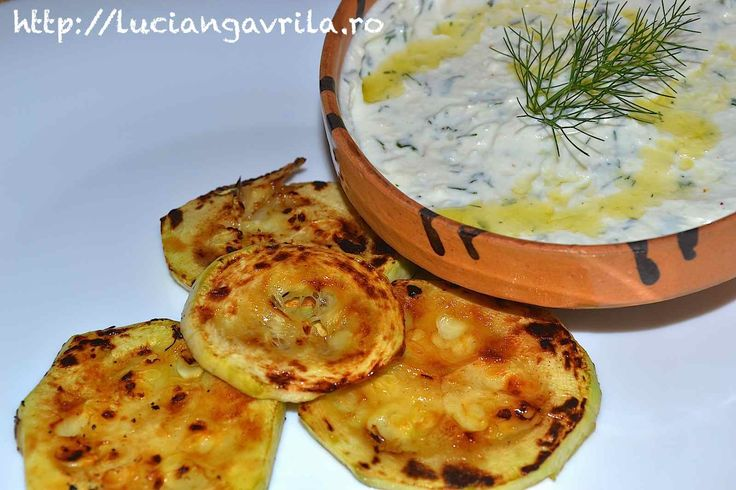 #Dipsauce with goat cheese, yoghurt and herbs  Sos cremos cu brânză, iaurt și ierburi aromate