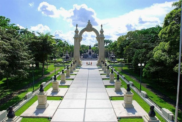 Campo de Carabobo, Valencia. In this place, the Carabobo battle took place in 1821, and it gave Venezuela its independence. In 1961 it was named a National Historic Monument.