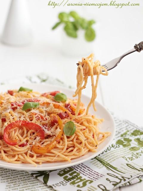 Wiem co jem - Pikantne spaghetti z papryką