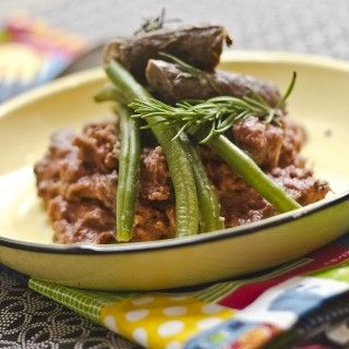 Rosemary-infused ostrich wors with red wine pap served up by Shirley Berko #freshlyblogged #recipe #picknpay