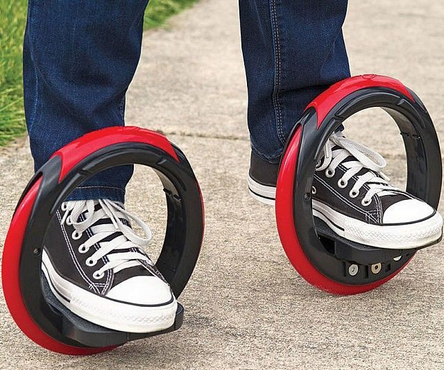 Turn heads as you cruise down the streets on this futuristic skateboard. While it's not the hoverboard you've been patiently waiting for, the intrepid design allows you to move through semi-rugged terrains and easily perform cool spinning tricks like a 360° or 720°.