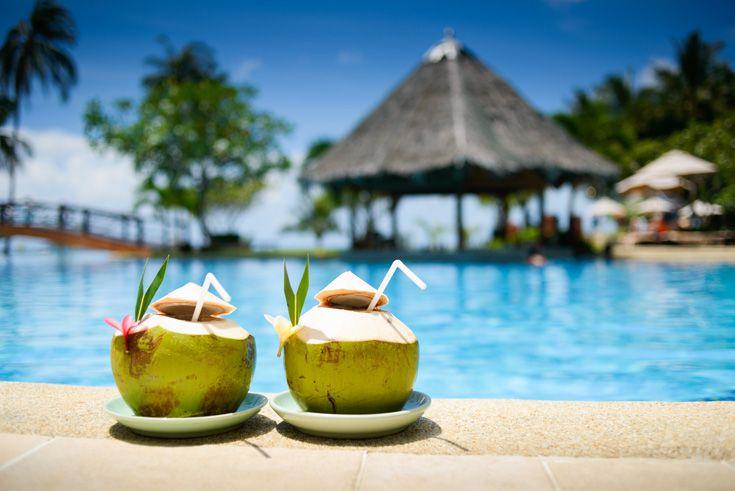 Drinks by the pool in Tahiti