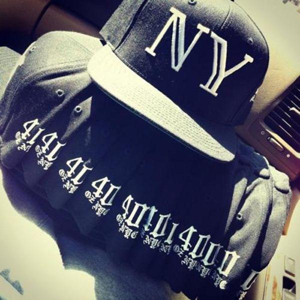 @40OZ_Van has the whole world talking about the new snapbacks.Inspiration Ni, Inspiration Snapback, Balmain Inspiration, 40Oz Vans, 40Oz Balmain, Nyc Underground, Inspiration Snabpack, Snapback Hats, Vans Nyc