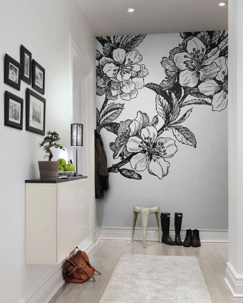 Noir et blanc à fleurs géantes. Papier peint Rebel Walls, 45€ / m²