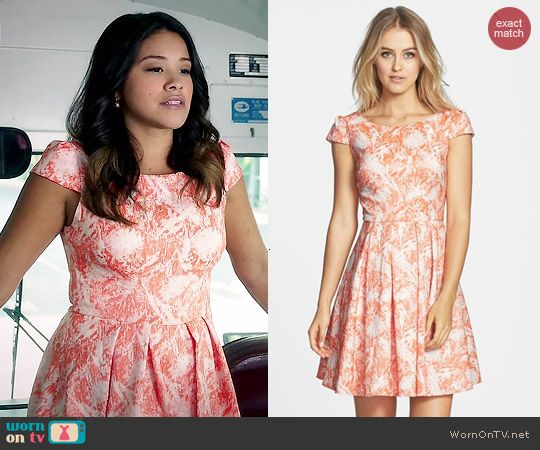 Jane's coral and white printed fit and flare dress on Jane the Virgin.  Outfit Details: http://wornontv.net/44710/ #JanetheVirgin