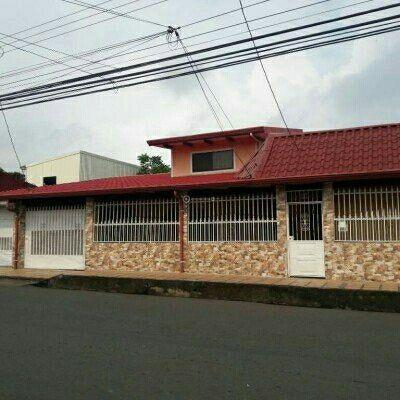 SE VENDE CASA EN EL CENTRO DE ESPARZA PUNTARENAS COSTA RICA