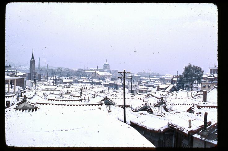 Seoul, Nov 1966. Sejong-no Catholic Church at left. | Photo by Stephen Dreher.