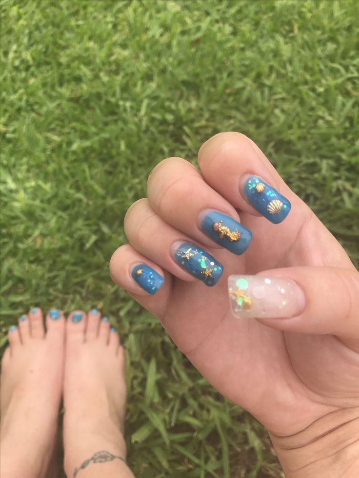 Seashell colour changing nails with Aquarium nail