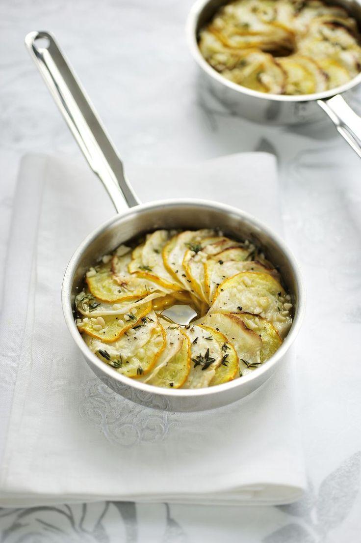 Groentetaartje van knolselder en courgette http://www.njam.tv/be/nl/recepten/groentetaartje-van-knolselder-en-courgette