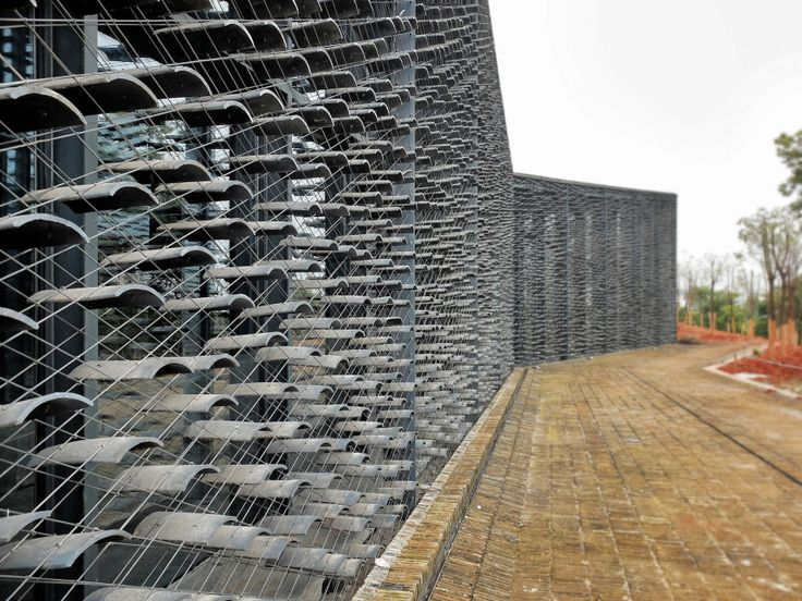 Museum at the China Academy of Art, Hangzhou, Kengo Kuma, 2015. Detail of suspended roof tile facade.