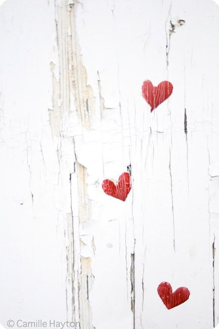Change color of hearts and there you go...Red hearts on white peeling paint