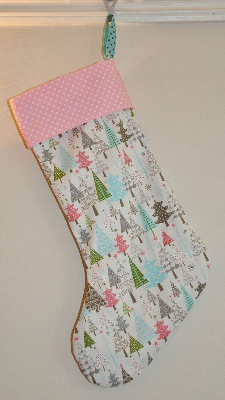 Sew Scrumptious: Christmas Stocking Tutorial and Pattern--made 12/1/14, quick and easy
