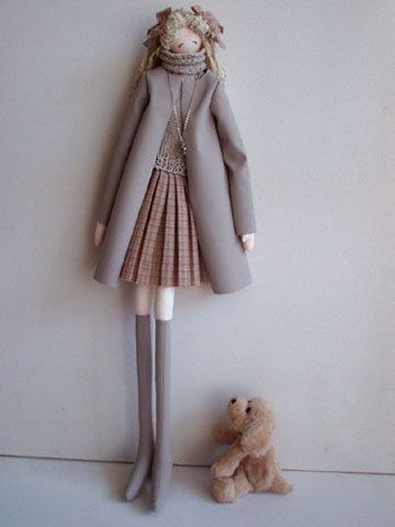 Handstitched house Russian site .. great tuts on small, skinny Japanese textile dolls with patterns, face painting, eye placement for different expressions .. modern Korean/ Japanese doll styles ... even shoe tut