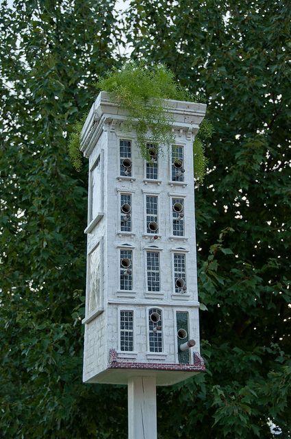 love this birdhouse:)