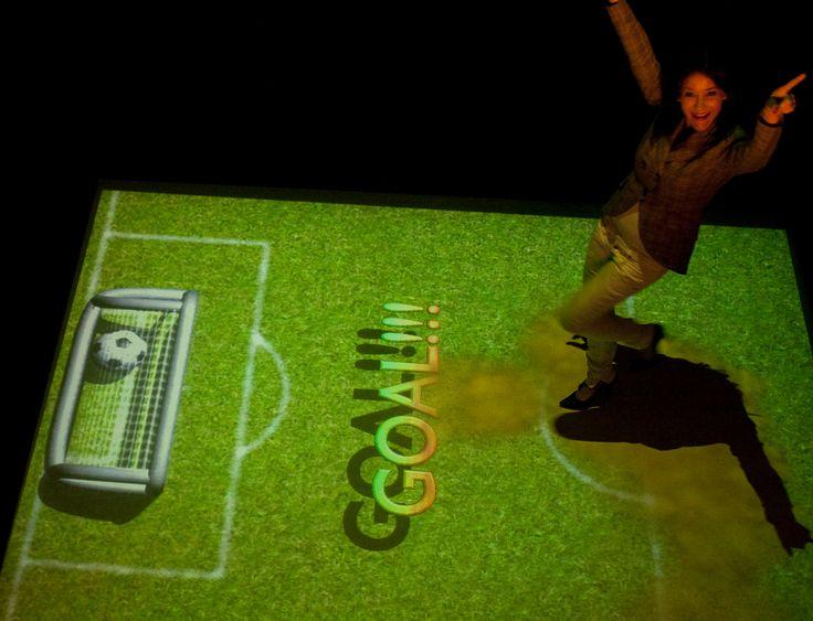 Pavimento interattivo Vimage, gioco calcio virtuale: segna il rigore!