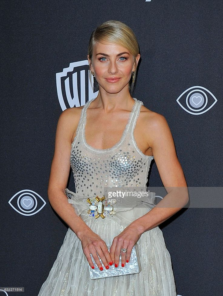 Dancer Julianne Hough attends the 18th Post-Golden Globes Party hosted by Warner Bros. Pictures and InStyle at The Beverly Hilton Hotel on January 8, 2017 , in Beverly Hills, California. / AFP / Lilly LAWRENCE