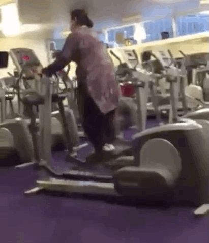 Aunty, all of us exercise-haters salute you for your ingenuity.   This 5-Second Video Of An Aunty At The Gym Has Broken The Damn Internet