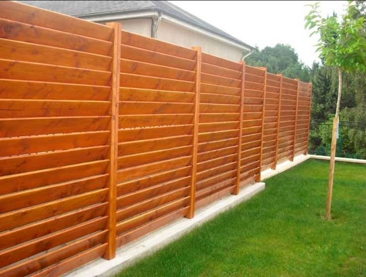 Oltre 25 fantastiche idee su recinzione da giardino su for Recinzioni in legno brico