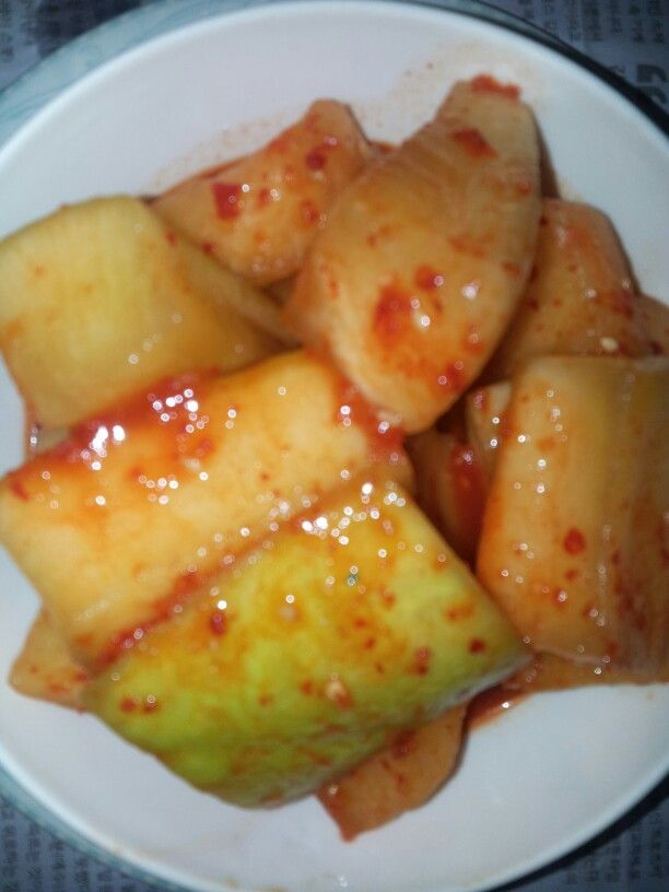 Slicedcubed radish kimchi깍두기김치
