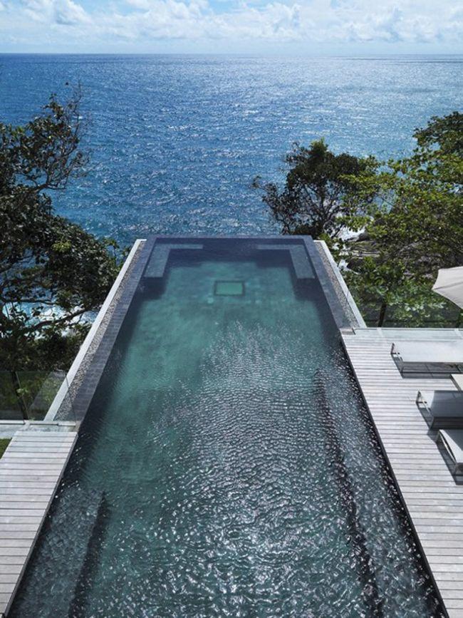 Piscine avec vue ... Sélection de 20 piscines d'exception - Villa Amanzi by Original Vision Architecture #pool #mer http://www.novoceram.fr/blog/architecture/piscines-originales