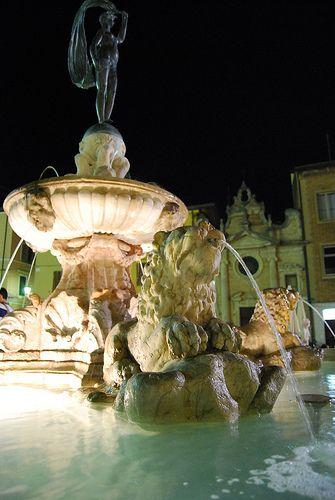 Fano - Fontana della Fortuna