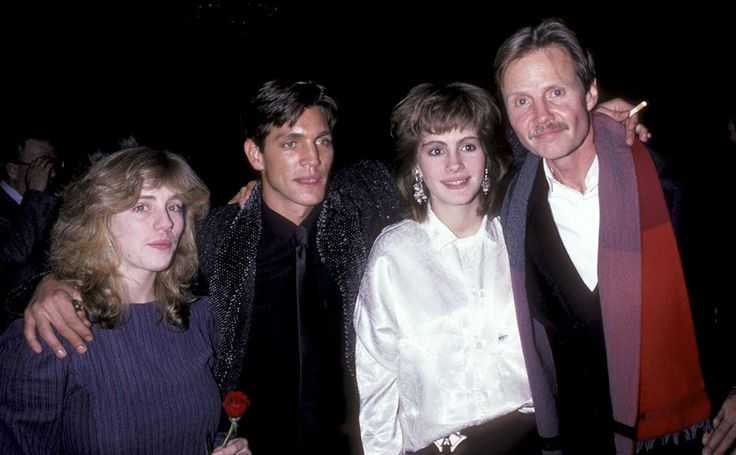 'Runaway Train' Premiere, 1985. Aspiring actress, Julia Roberts & her sister, Lisa(far left) attend the premiere of brother Eric Roberts film 'Runaway Train', also starring Jon Voight, Dec 4, 1985 in New York. (photo: Ron Galella/Wireimage)
